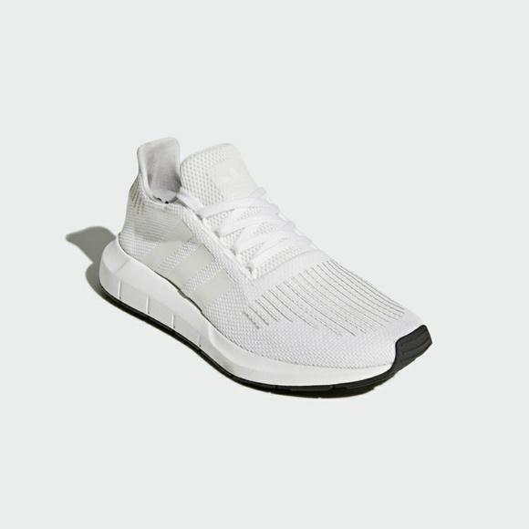 5db702e18 Adidas Swift Run Shoes CG4112